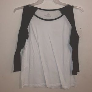 drop sleeve black and white shirt